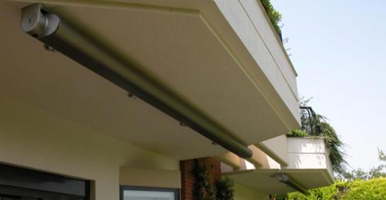 Tende da sole per balconi motorizzate