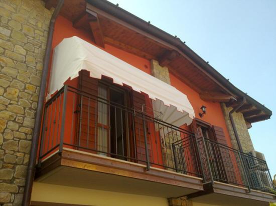 Tende Da Sole Per Balcone : Zanzariere tende da sole pergolati e veneziane brescia relax